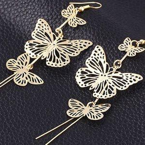 🦋 New list! 🦋 Butterfly dangle earrings!